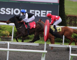 Badenscoth (far side) - winning at Kempton in April